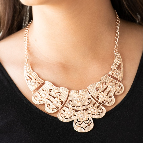 paparazzi Jewelry - Mess With The Bull - Rose Gold Necklace Set